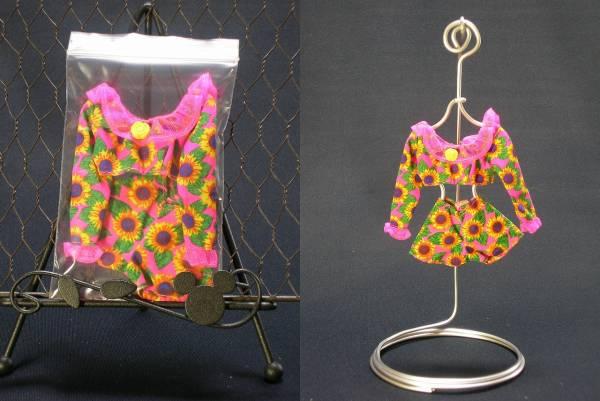 【Barbie】 MATTEL バービー ピンク ひまわり柄 長袖 ショート丈トップス ショートパンツ お洋服
