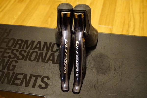 4km使用 新品同様美品 SHIMANO シマノ アルテグラ ULTEGRA DI2 電動 ST-6870 シフター 左右セット 34,085円