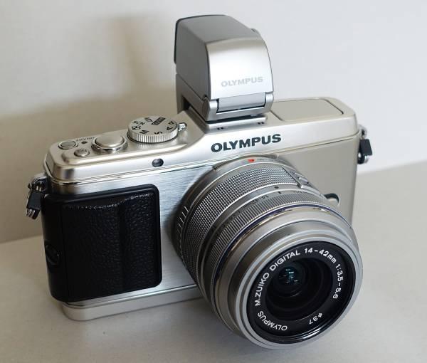 OLYMPUS PEN E-P3 レンズキット + 電子ビューファインダー