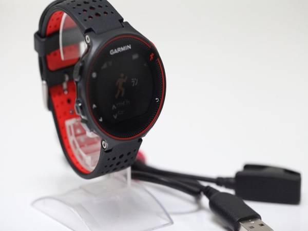 可動品【GARMIN ガーミン】GPSランニングウォッチ フォアアスリート235J ブラック×レッド ケーブル付き メンズ腕時計 V489