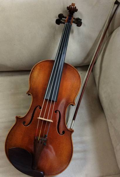 ☆ドイツ製木目美しいビオラ*調整済*オーケストラで使用していました!弓・松脂・ケース付☆すぐに演奏できます(・∀・)!
