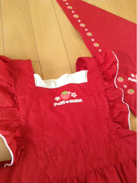 美品 マザウェイズ プチママ 子供用エプロン 三角巾 クリエイティブヨーコ 赤 フリル 女の子 120_画像2