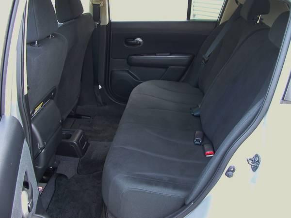 ★後席も通常車のように広~く快適です!