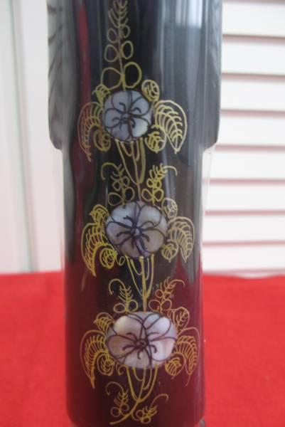 新品 レア★手描きで上塗りされデザインされた ベトナム人形★ 紺色 木材 32cm 手作りの置物_画像3