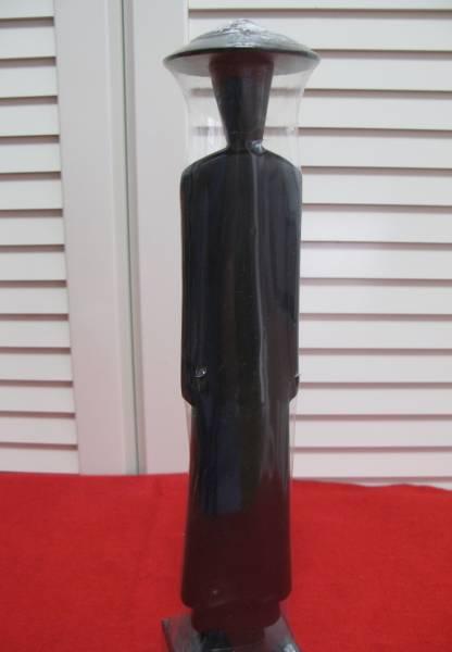 新品 レア★手描きで上塗りされデザインされた ベトナム人形★ 紺色 木材 32cm 手作りの置物_画像2