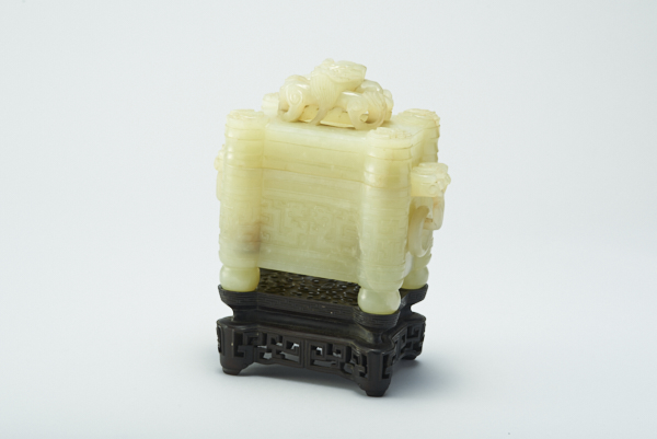 M-0208 白玉游環香炉 台付 中国美術 古玩 唐物 時代 龍 蝙蝠 霊芝 彫刻 細密細工 紫檀 翡