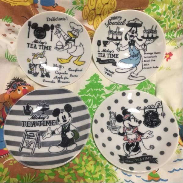 Mickey's TEA TIME Plate Set ミッキーマウス ティータイムプレートセット 4枚入り 新品未使用 送料込み ディズニーグッズの画像