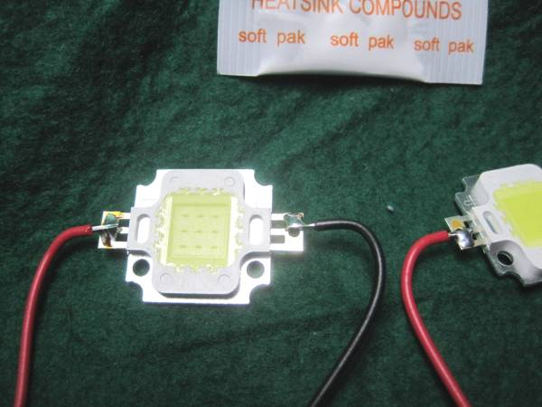 直流12Vで点灯キット2個1組10W 白色 パワーLED素子配線コード10cmと制限抵抗付きと放熱グリス送料全国一律普通郵便120円_画像2