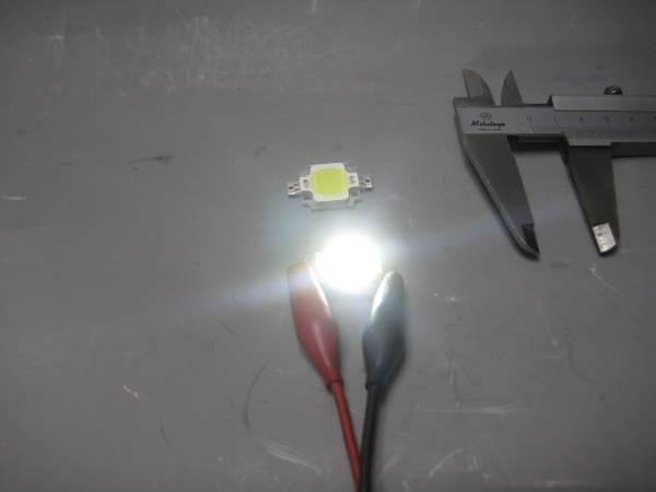 直流12Vで点灯キット2個1組10W 白色 パワーLED素子配線コード10cmと制限抵抗付きと放熱グリス送料全国一律普通郵便120円_画像3
