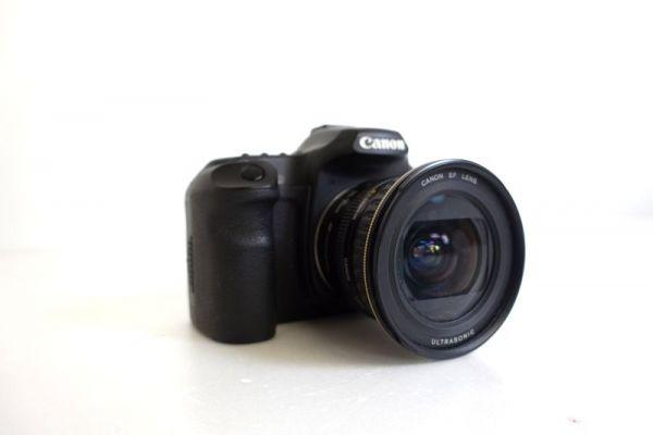 CANON キャノン EOS40D DS126171 デジタル 一眼 カメラ レンズ ZOOM LENS EF 20-35mm 1:3.5-4.5 D100