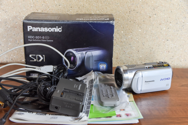 ◆1円~◆ Panasonic HDC-SD1-S デジタルビデオカメラ J8N49