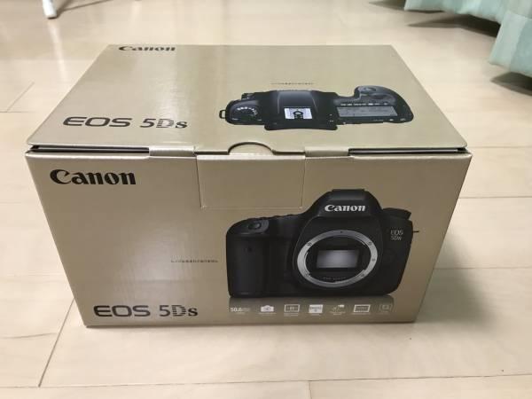 新品未使用品!!CANON 一眼レフ EOS-5Ds ボディ+オマケあり