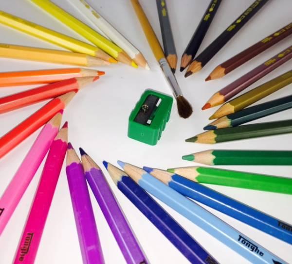 水彩色鉛筆アートセット 24色水彩色鉛筆!これと水さえあれば、立派な水彩画に お子様でも大人でも誰でも楽しめます 送料無料_画像2