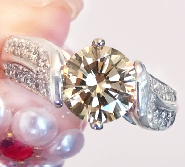 《1.6ctUP!!DIAMOND》PT900 ダイヤ シャンパンダイヤ リング 1.
