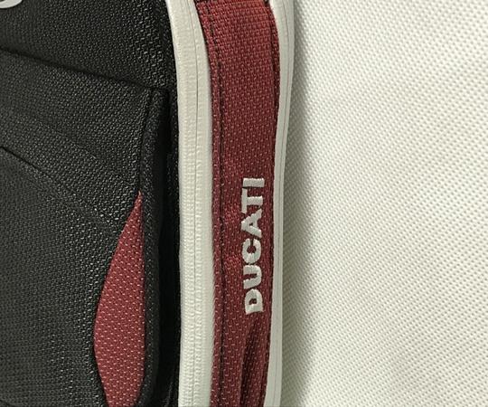 美品 TUMI ドゥカティ ナイロン ショルダーバッグ メンズ 黒×赤 DUCATI 限定コラボ T2556152_画像4