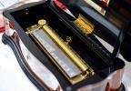 144弁のスイスのリュージュ社の豊かに奏でる豪華なオルゴールです。オルゴール療法に最も適したカノンの3パートで、癒される曲です。