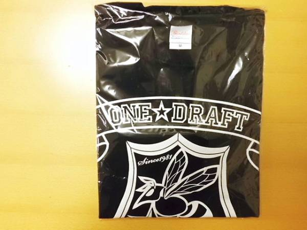 【新品】【送料無料】【Mサイズ】 ONE DRAFT Tシャツ Mサイズ 蜂の巣 (黒 ブラック)