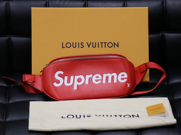 国内正規品 新品保証  Louis Vuitton × Supreme ルイヴィトン シュプリーム  品名:シ