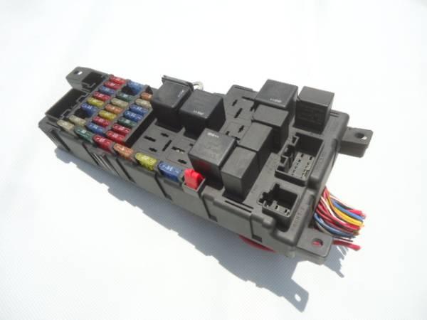 ★ボルボ V70 SB5244W ヒューズボックス リレーボックス エンジンルーム側★_画像1