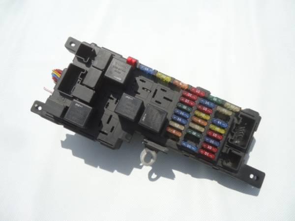 ★ボルボ V70 SB5244W ヒューズボックス リレーボックス エンジンルーム側★_画像2