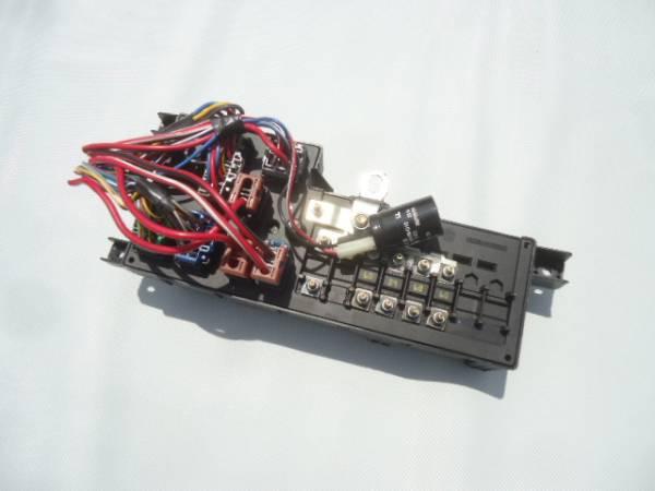 ★ボルボ V70 SB5244W ヒューズボックス リレーボックス エンジンルーム側★_画像3