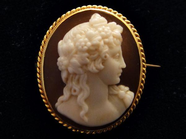 アンティーク 19世紀 ヴィクトリアン 手彫り 酒神バッカス サードニクスシェルカメオブローチ