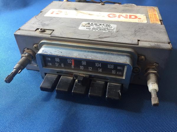 空冷 VW AM FM ラジオ ワーゲン ビートル カルマンギア タイプ3 バス タイプ2 ゴルフ ポルシェ 912 旧車 トランスミッター 12V USA USDM_画像1
