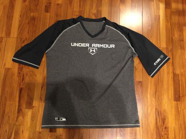 楽天イーグルス 久保裕也選手 実使用 Tシャツ&アンダーシャツ アンダーアーマー ジャイアンツ グッズの画像