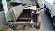 軍事車両(エンジン壊、タイヤ空気無し)