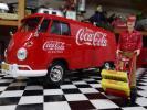 Coca Cola - 超レア★コカコーラ 1/24 VW フォルクスワーゲン TypeⅡ ワーゲンバス +デリバリードライバー&ボトルケースx2,ケースキャリアカート付