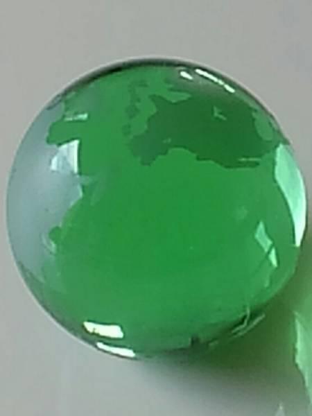 ガラスの地球儀 緑色 直径約7cm