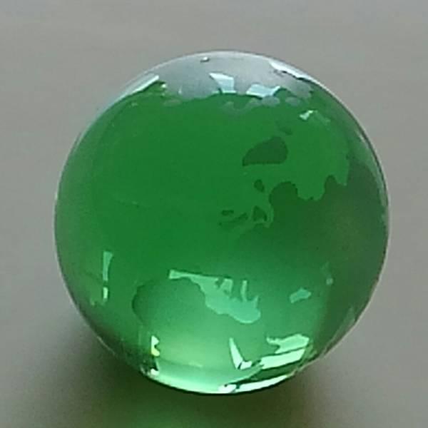 ガラスの地球儀 緑色 直径約7cm_画像2