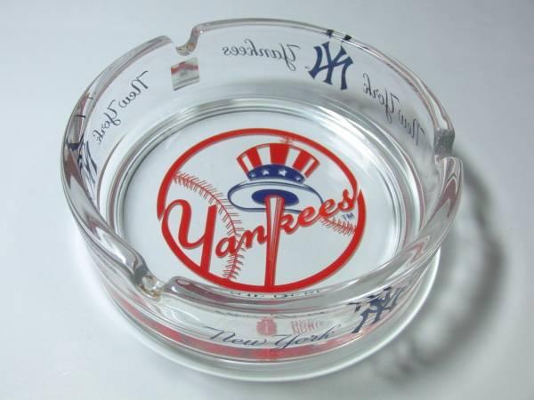 ヤンキース ガラス製灰皿 美品 YANKEES メジャーリーグ グッズの画像