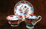 名窯 希少古ミントン イギリス キャビネットが華やぐ アンティーク トリオ コーヒーカップ&ティーカップ&ソウサー 伊万里写し 1820年頃