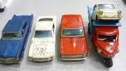 □ ブリキの車 カローラ ムスタング 三輪車など 色々5台 落書きあり