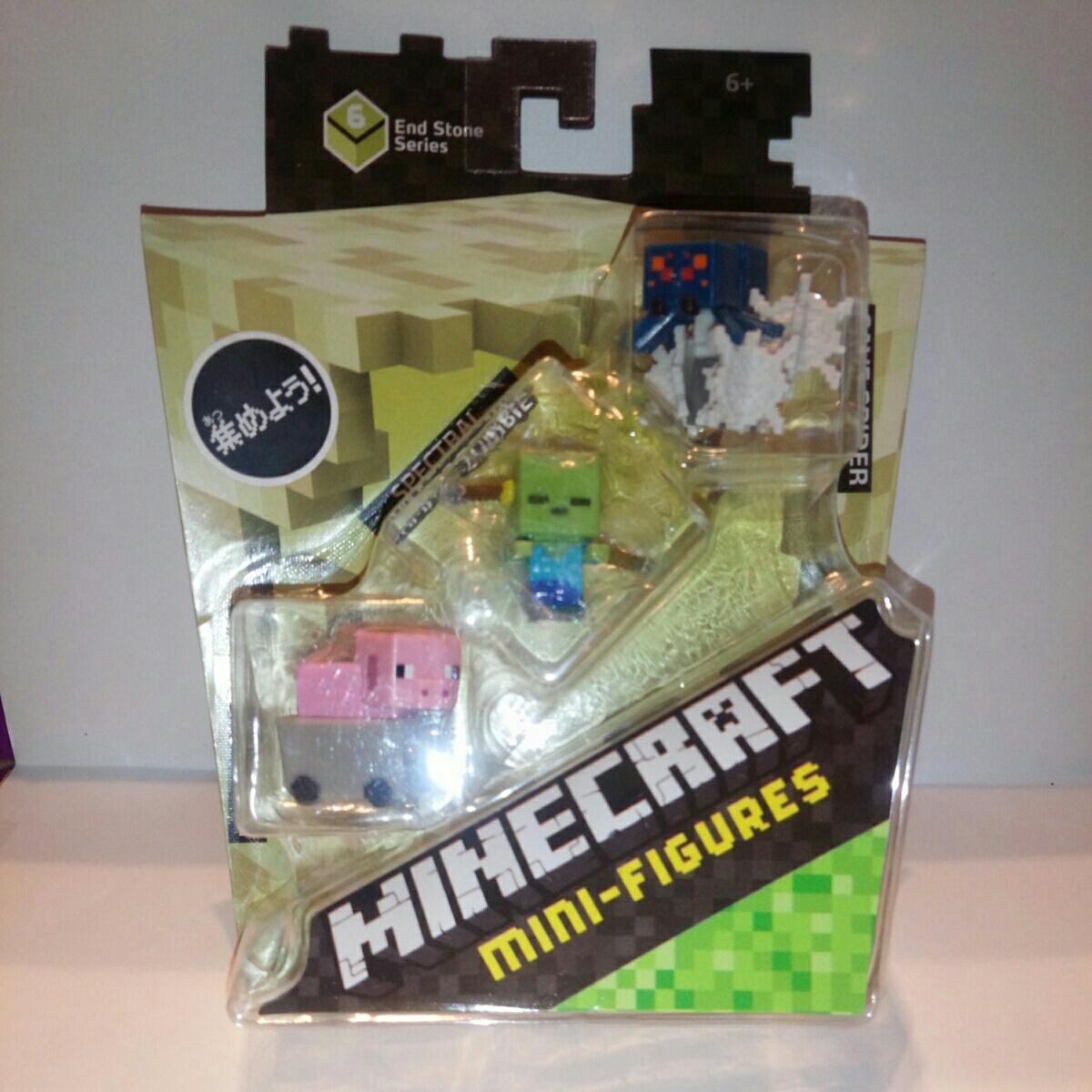 マインクラフト ミニフィギュア PIG IN MINECART 他 グッズの画像