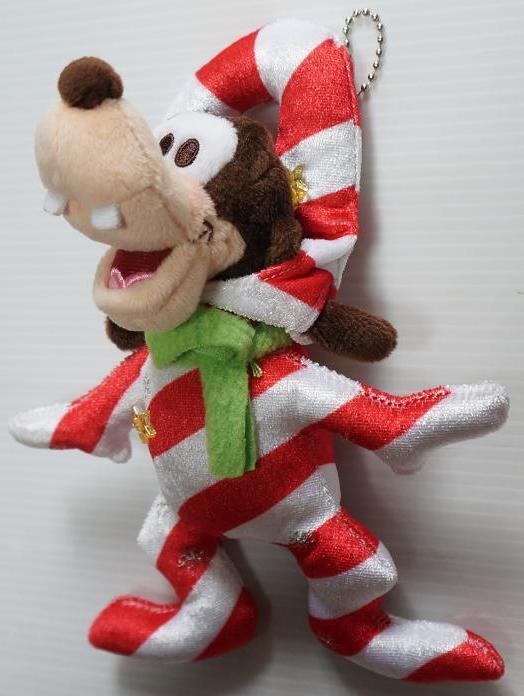 ディズニーストア クリスマス ぬいぐるみバッジ グーフィー 2016年 スティックキャンディグーフィー ディズニーグッズの画像