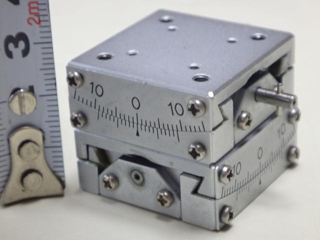 神津精機 精密スイベル(ゴニオ)ステージ   SH03B-DS 30mm×30mm ±10°