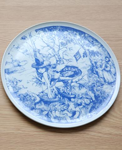 お皿の画像です