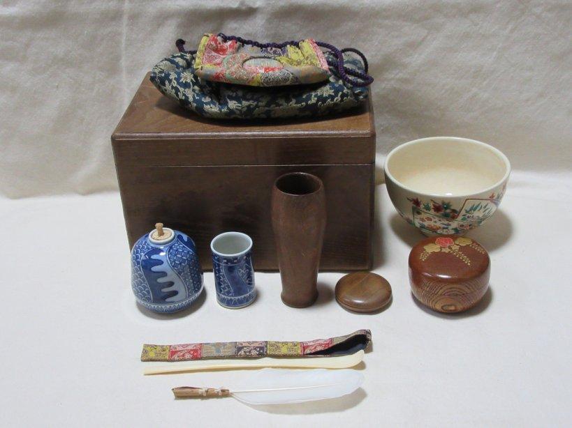 茶道具 桑茶箱セット(茶碗 棗 香合 茶栓筒 茶杓 ほか)象牙茶杓 板サービス