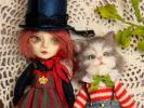小さなお人形 サーカスの女の子 ピエロの猫も一緒に