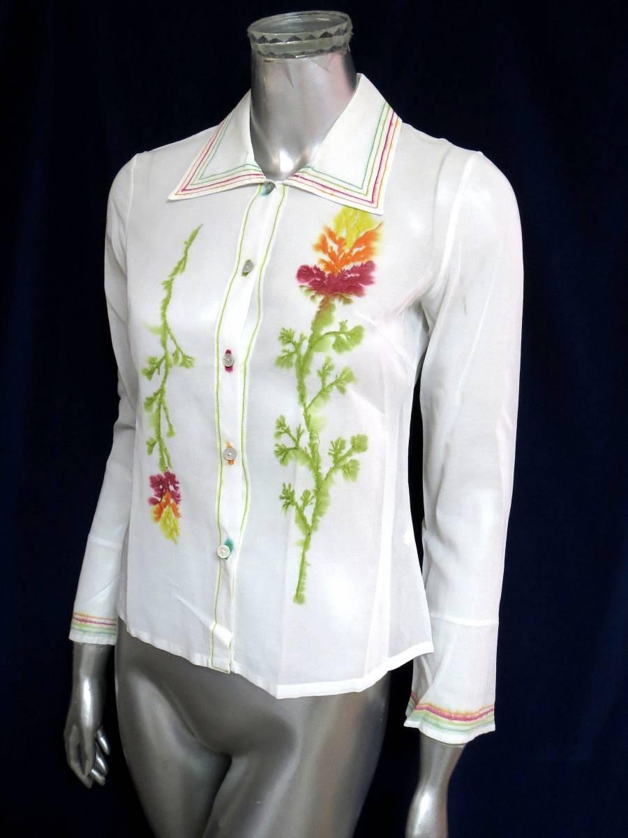 ★R63 日本製♪RITSUKO SHIRAHAMA リツコシラハマ♪ 綿100%!!花柄刺繍入の白ブラウスシャツ♪ 長袖 コットン トップス ホワイト_画像1