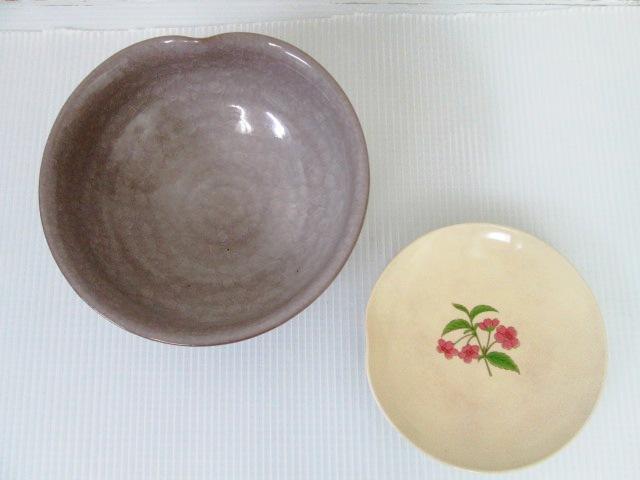 【お買い得!】 ★ たち吉 ★ 菓子鉢 / 花柄のお皿 2点セット 和食器_画像2