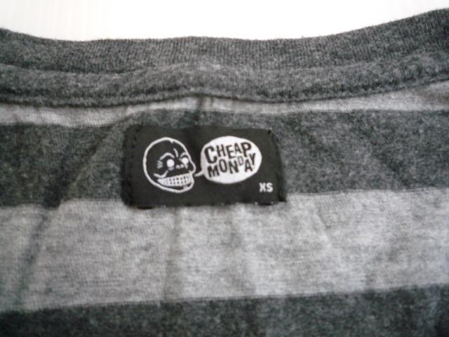 【お得!!】■チープマンデー/CHEAP MONDAY■ 半袖Tシャツ 黒×グレー メンズ XS_画像3
