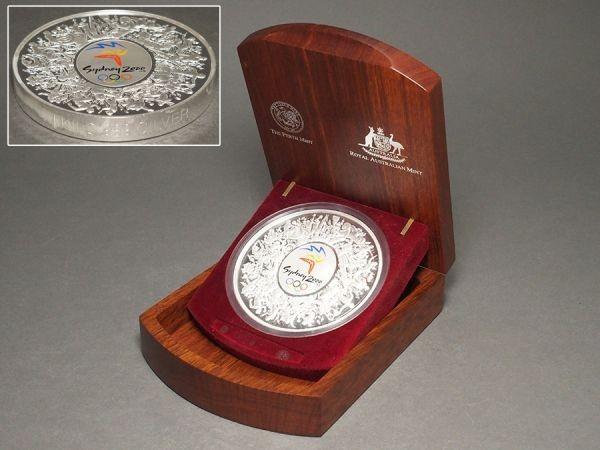 A399.【純銀】2000年 シドニーオリンピック 記念硬貨 30ドル 重量 約1kg 箱付属 / 銀貨五輪記念メダルシルバーsilver_画像3