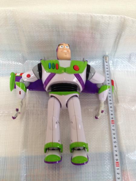 バズライトイヤー トイストーリー 人形 フィギュア 話すおもちゃ ディズニー 動作品 ヘルメット欠品 ディズニーグッズの画像