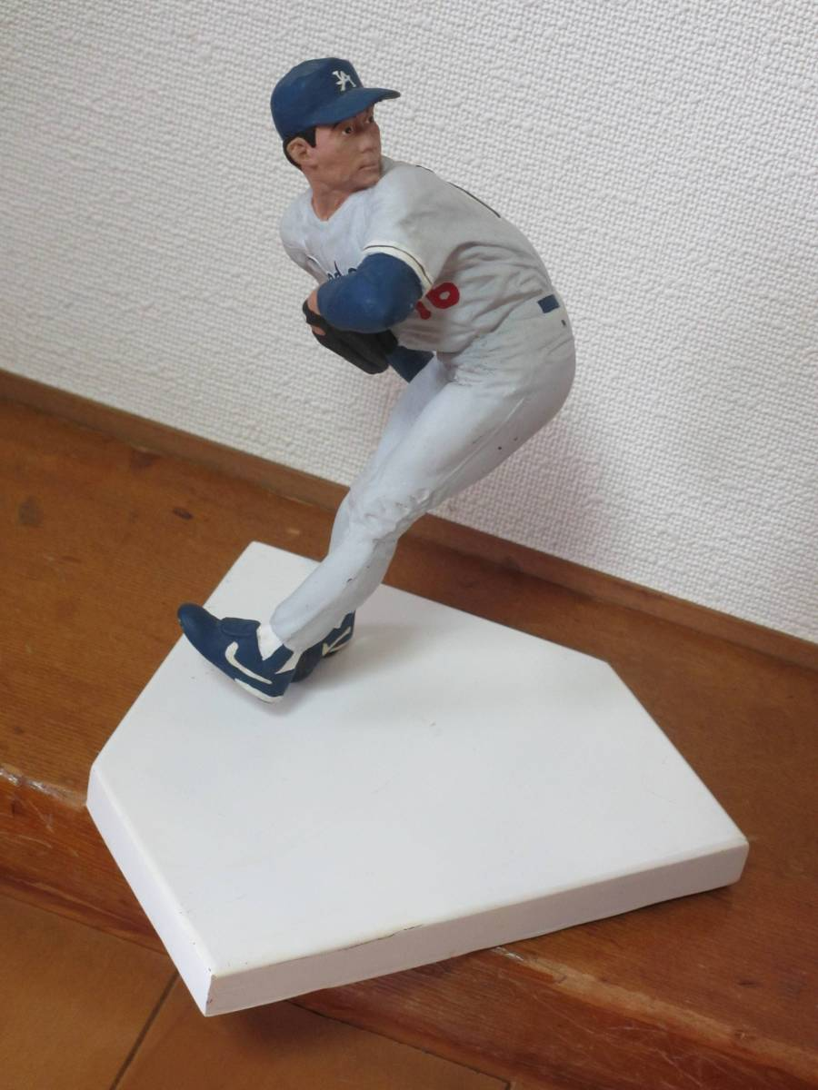 ドジャース時代の野茂英雄投手の石膏のフィギャア グッズの画像