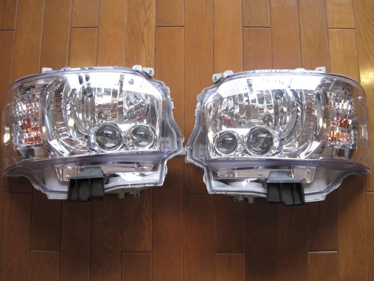 【ジャンク品】ハイエース 4型 オプションタイプ LED ヘッド ライト クリア 左右 ハロゲン車用