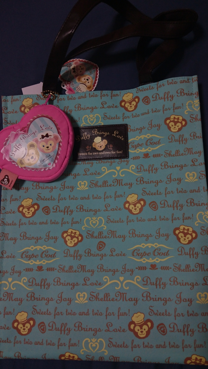【新品】スウィートダッフィー トートバッグ Brings Loveバレンタイン ディズニーグッズの画像