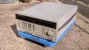 HP 0.26-2060MHz 周波数アジャイル信号発生器 8645A OP付属